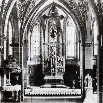 Der Herz Jesu Altar mußte 1924 dem frühbarocken Retabel von 1628 weichen. Sein neuer Standort war im linken Querschiff.