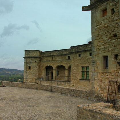 Bild: Innenhof Schloss von Barroux