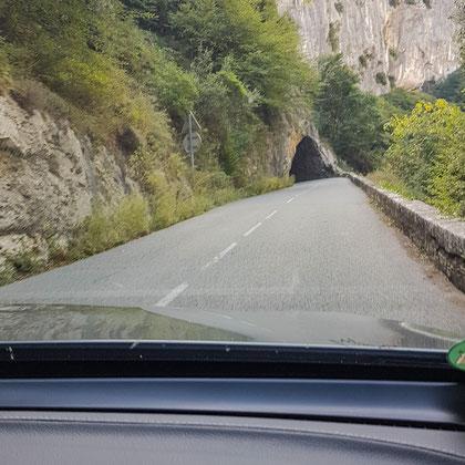 Bild: Straße in der Gorges du Loup
