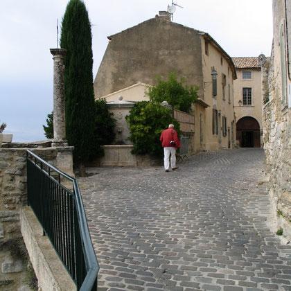 Bild: Auf dem Weg zur Maison de la truffe et des vins du Luberon, Ménerbes