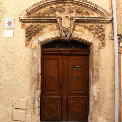 Bild: Portal Maison Silvestre in Saint-Saturnin-lés-Apt