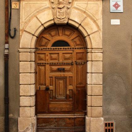 Bild: Tür Maison Allemand in Saint-Satunrin-lés-Apt