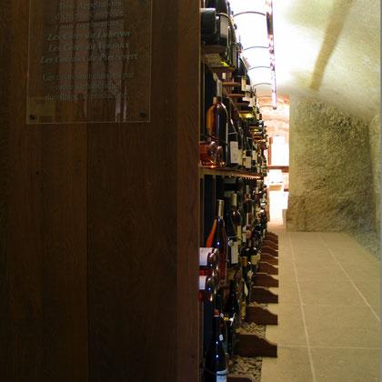 Bild: Verkaufsregale, Maison de la Truffe et des Vin du Luberon, Ménerbes