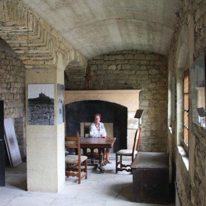 Bild: im Innern von Schloss Barroux