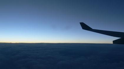 Über dem Nordatlantik geht die Sonne unter