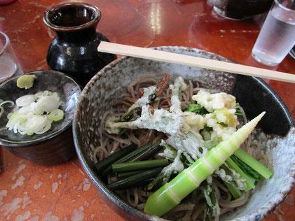 大白川駅の蕎麦屋さんで昼食