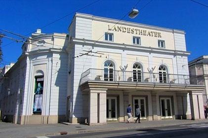 Kranz Kastenfenster, Öffentlicher Bau, Landestheater Salzburg
