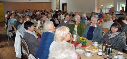 Teilnehmerinnen des Kreisfrauenfrühstücks, das 2mal im Jahr stattfindet.