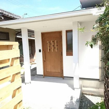 木製玄関ドア 個性的