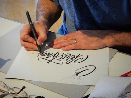 Dicke und dünne Linien im Lettering