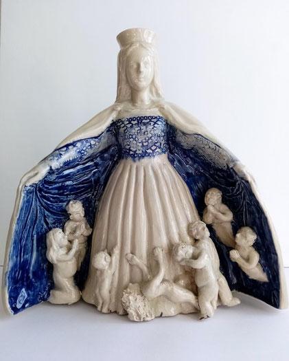 """""""Notre Dame du Réconfort""""    Sculpture en grès, pièce-unique 26 cm de hauteur"""