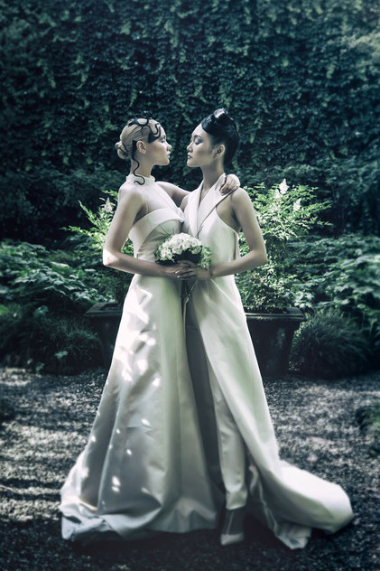 Fashion photography, a couple of two brides by Monica Monimix Antonelli
