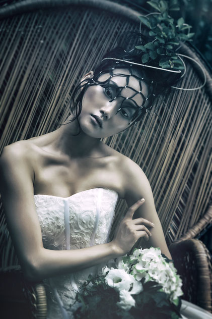 Beauty details of a bride's hair styling by Monica Monimix Antonelli