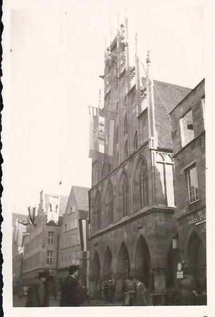 Rathaus nun mit Stadtweinhaus 1956