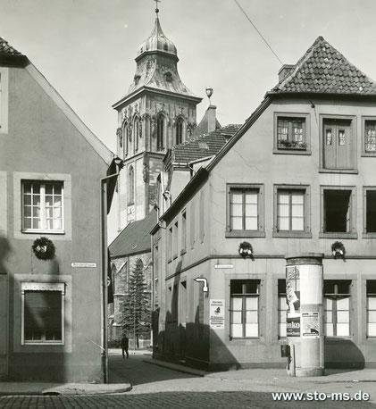 Blick von der Hörsterstraße  in die Herrenstraße mit Martinikirche