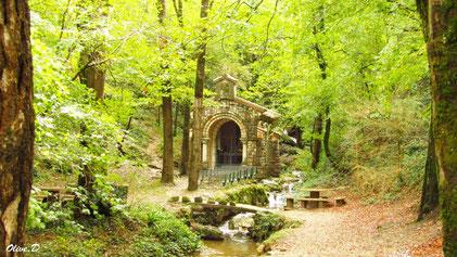 Balade à la chapelle du Baylou à Dourgne en Montagne Noire, cascade, fontaine, forêt