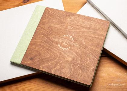 Album mariage couverture en bois