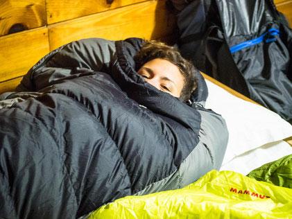 Nachts wird es bitter kalt. Ich bin froh um meinen warmen Daunenschlafsack
