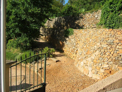 dry-stone-wall-restoration-walling-flassans-var