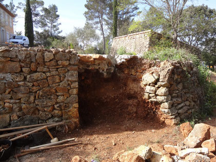 dry-stone-wall-restoration-walling-entrecasteaux-var
