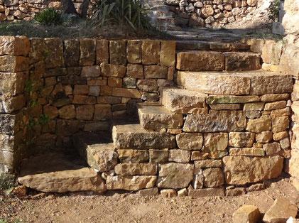 staircase-restoration-var-cotignac-dry-stone-wall-repairing