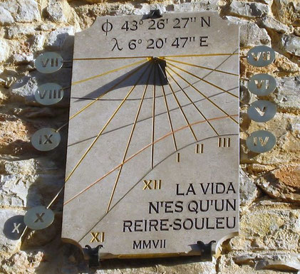 cadran-solaire-pierre-thoronet-facade-cadrans-solaires-vente-achat