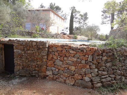 dry-stone-wall-entrecasteaux-var-restoration-walling-reparing