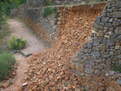 damaged-dry-stone-wall-flassans-var