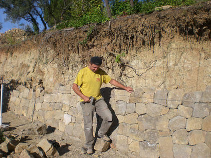 dry-stone-wall-restoration-walling-cotignac-var-cutting