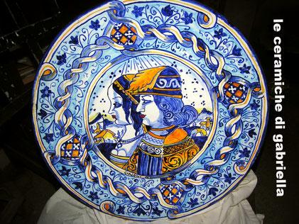 piatto di ceramica antica