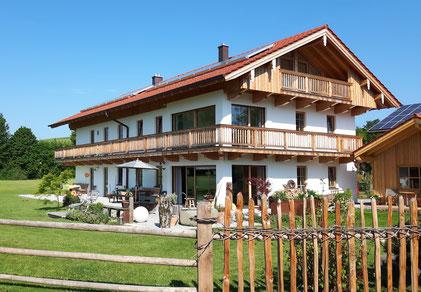 Zimmerei Peter Holzer, ihr Partner für alle Holzarbeiten - vom Dachstuhl bis zum Balkon