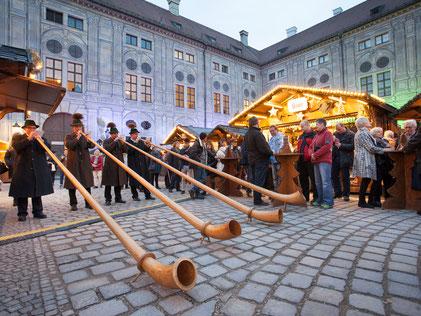 Eröffnung des Weihnachtsdorfs in der Residenz - München