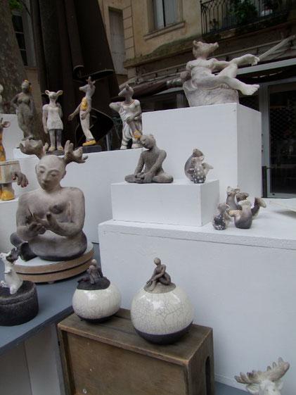 Présentation des statues de Simplement Terre au Clap'arts festival de Montpellier