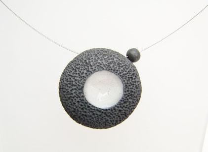 bijou céramique effet pierre de lave