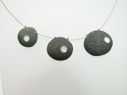 Collier céramique raku effet pierre de lave