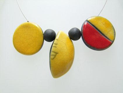 collier céramique raku de l'atelier simplement terre