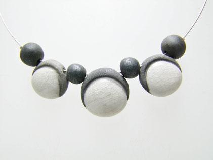 collier fait main en céramique raku