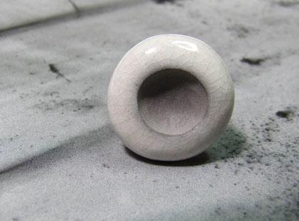 bague noire et blanche en raku