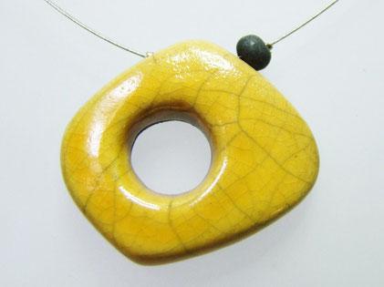 pendantif céramique raku jaune