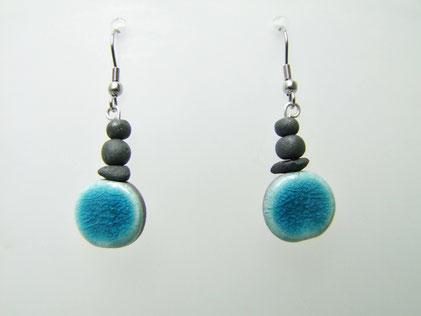 boucles d'oreilles en perle céramique bleues