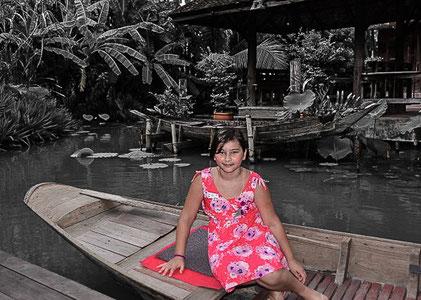 Vanessa im Siam Niramit Park in Bangkok/Thailand