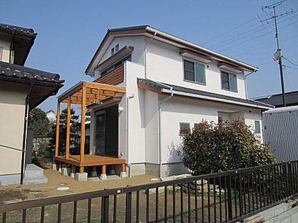 登棒の立つ家