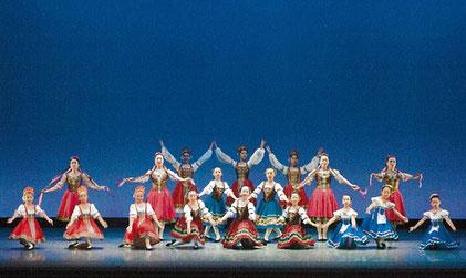 キャラクターダンス 民族舞踊