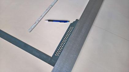 Arbeitsschritt bei der Fertigung, Anzeichnen vor dem Zuschnitt, derbaustein