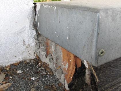 Die Flachdachabdichtung war am Mauerwerksrand nicht hochgeführt.