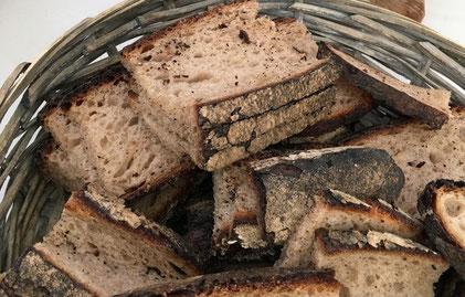 Wir führen immer frisches Brot und Brötchen vom Kölner Handwerksbäcker