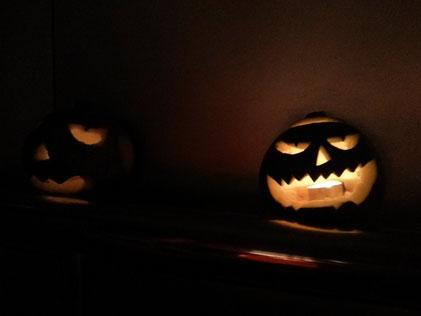 Selbstgeschnitzte Kürbisse - Wie es sich so für Halloween gehört :)