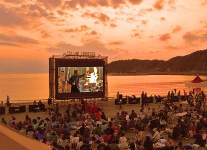逗子海岸映画祭画像