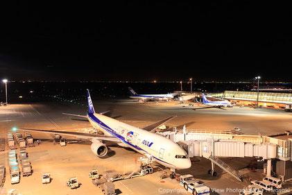 羽田空港の夜