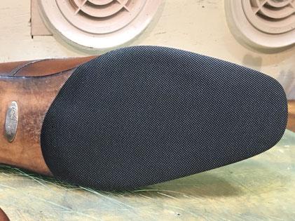 shoerepairViragon 靴修理ヴァラゴン : ハーフソール(前底補強) : FERRAGAMO(フェラガモ) : レザーソール おすすめ